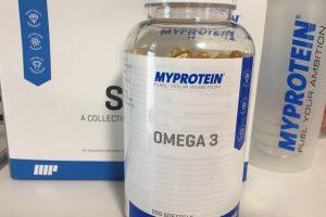 オメガ3はプラスチックのポット型容器に入っています。今回は250錠タイプを購入しました。