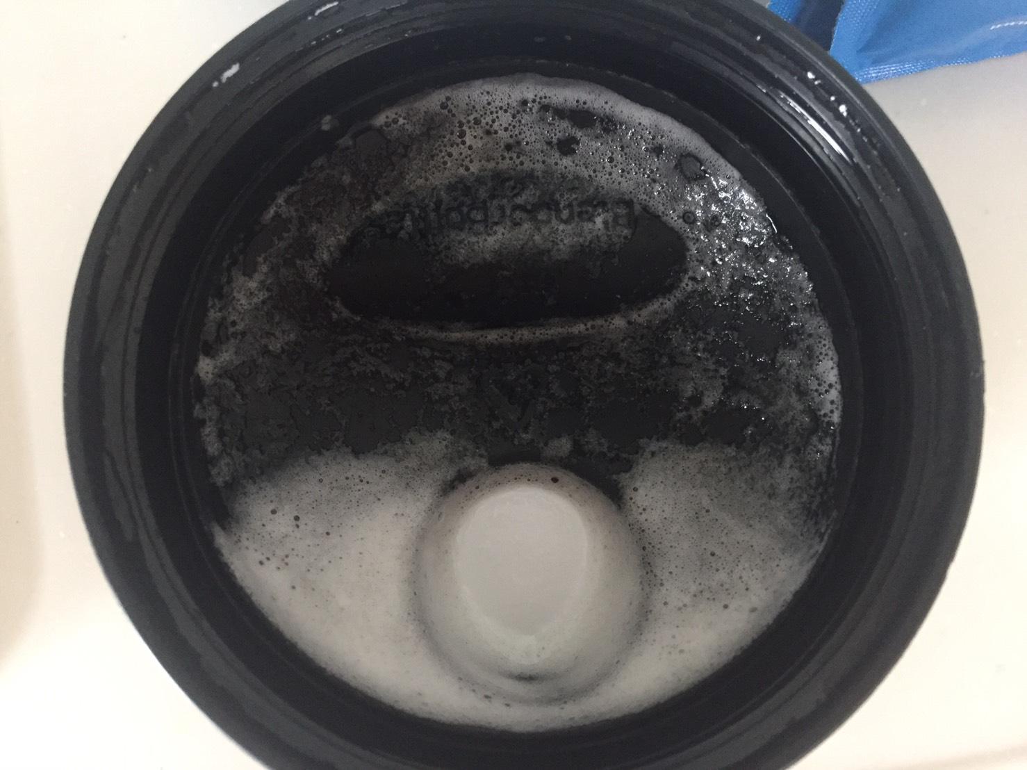 蓋にもガッツリと泡が残りました。