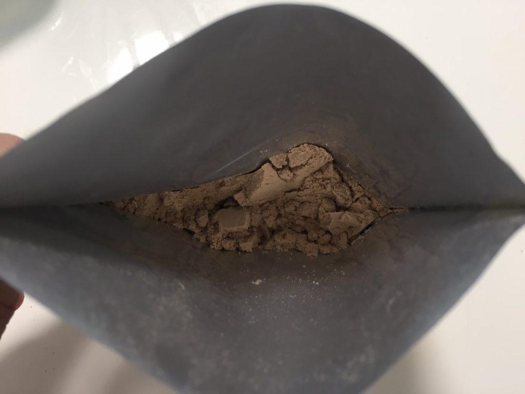 Chocolate Peanut Butter Flavour(チョコレートピーナッツバター味)を開封した様子