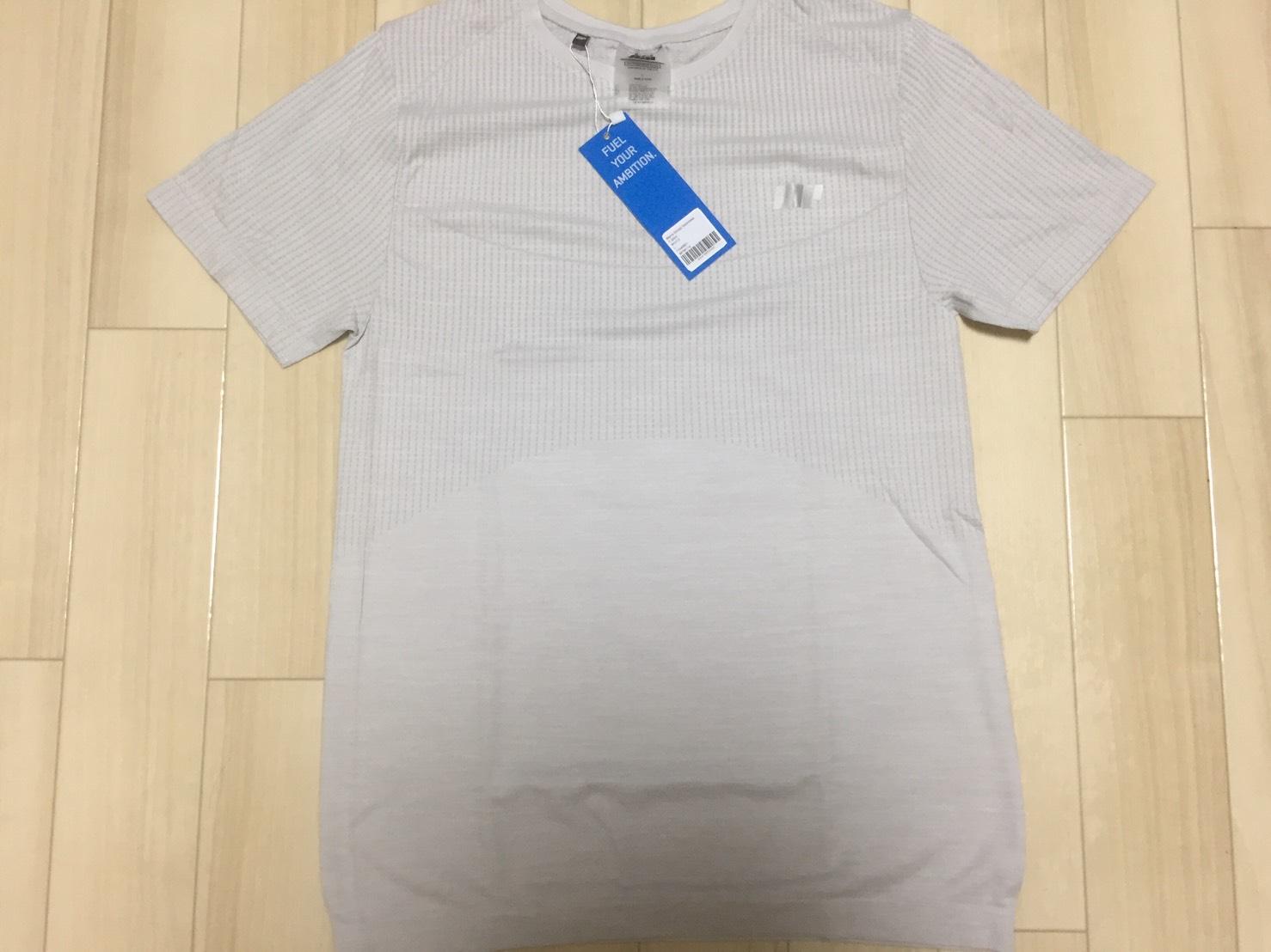 シームレス スカルプト Tシャツ
