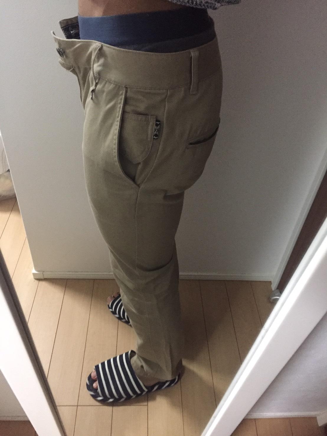 パンツを横から撮影した様子
