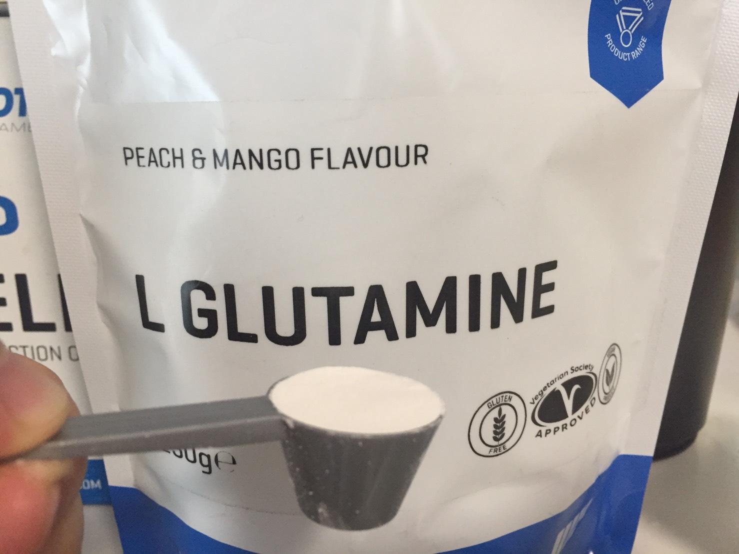 L-グルタミン「PEACH&MANGO FLAVOUR(ピーチ&マンゴー味)」の摺り切り一杯