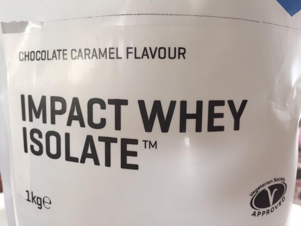【WPI】IMPACT 分離ホエイプロテイン (アイソレート)「CHOCOLATE CARAMEL FLAVOUR(チョコレートキャラメル味)」