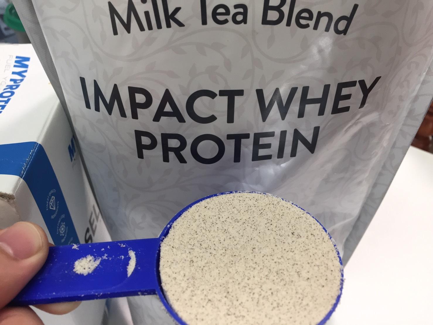 【WPC】Impactホエイプロテイン「Milk Tea Blend(ミルクティー味)」の様子