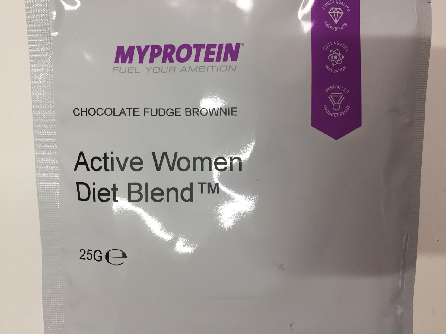 Active Women Diet Blend(アクティブウーマンダイエットブレンド)「CHOCOLATE FUDGE BROWNIE(チョコレート味)」