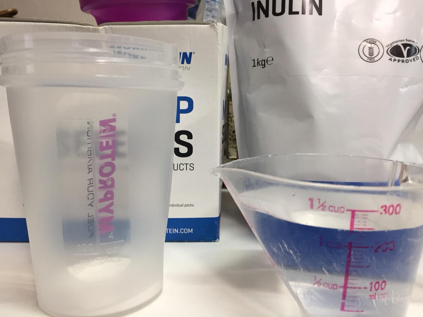 イヌリンを250mlの水に溶かします