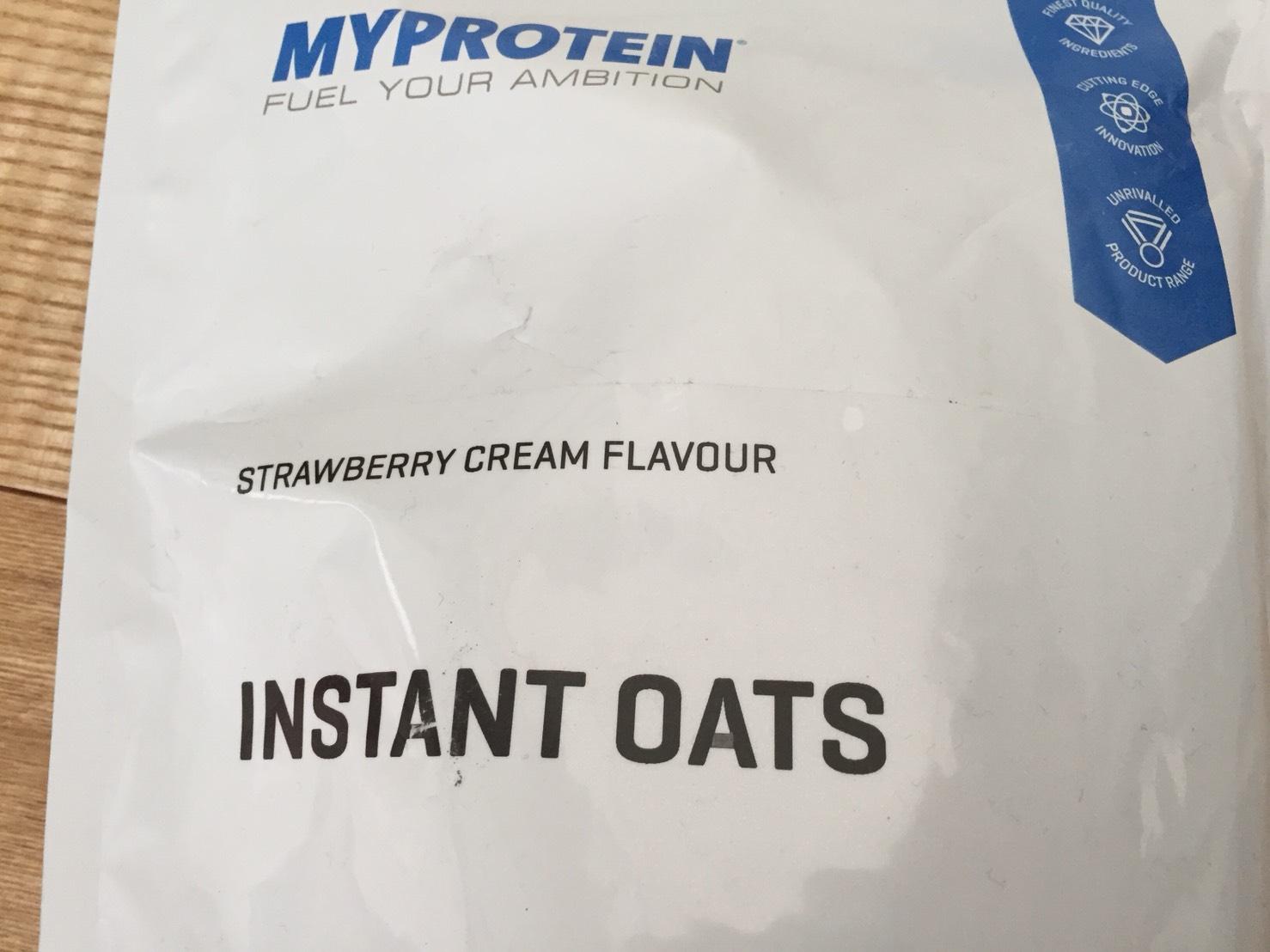 INSTANT OATS(インスタントオーツ)STRAWBERRY CREAM FLAVOUR(ストロベリークリーム味)の成分表