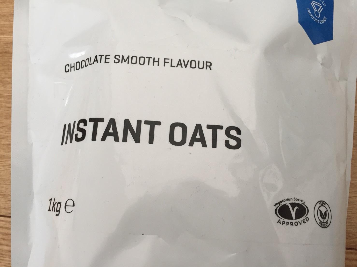 INSTANT OATS(インスタントオーツ)CHOCOLATE SMOOTH FLAVOUR(チョコレートスムース味)の成分表