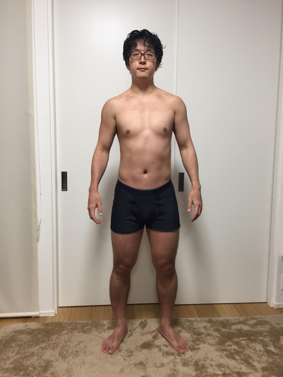 2018年4月18日:体重:78.95kg 体脂肪率:15.9%(スタートからの減り幅は体重:-2.4kg、体脂肪率:-1.4%)の正面からの様子