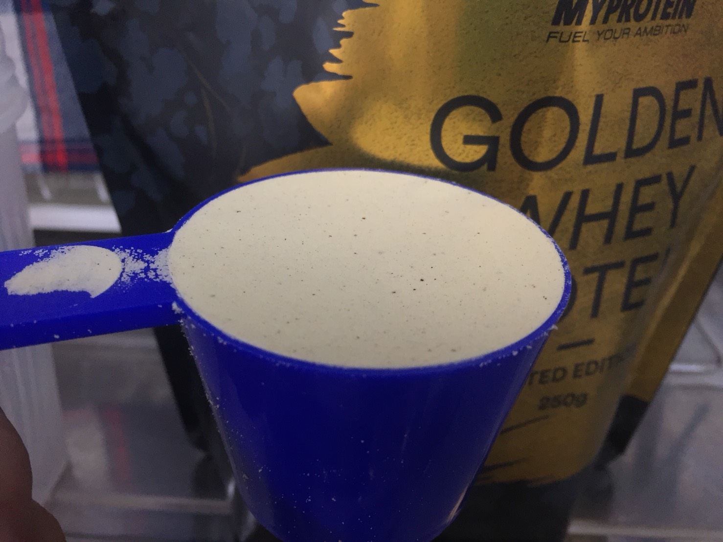 ゴールデンホエイプロテインの粉末の様子
