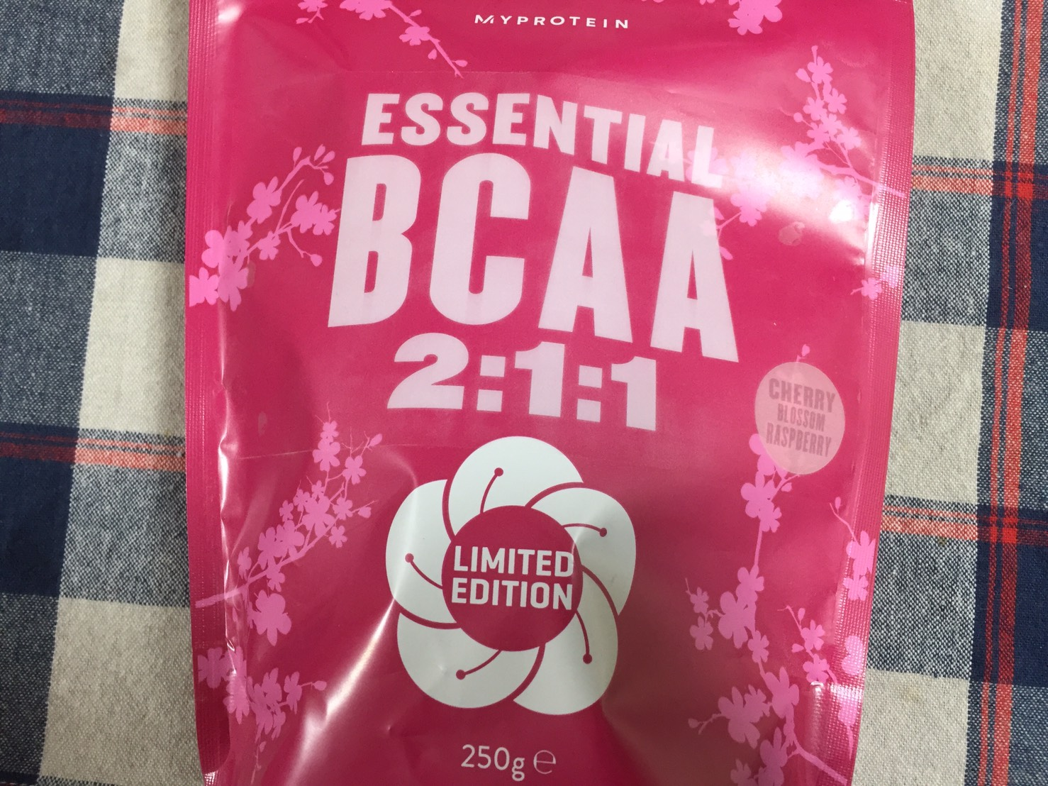 BCAA「チェリーブロッサムラズベリー」のパッケージ