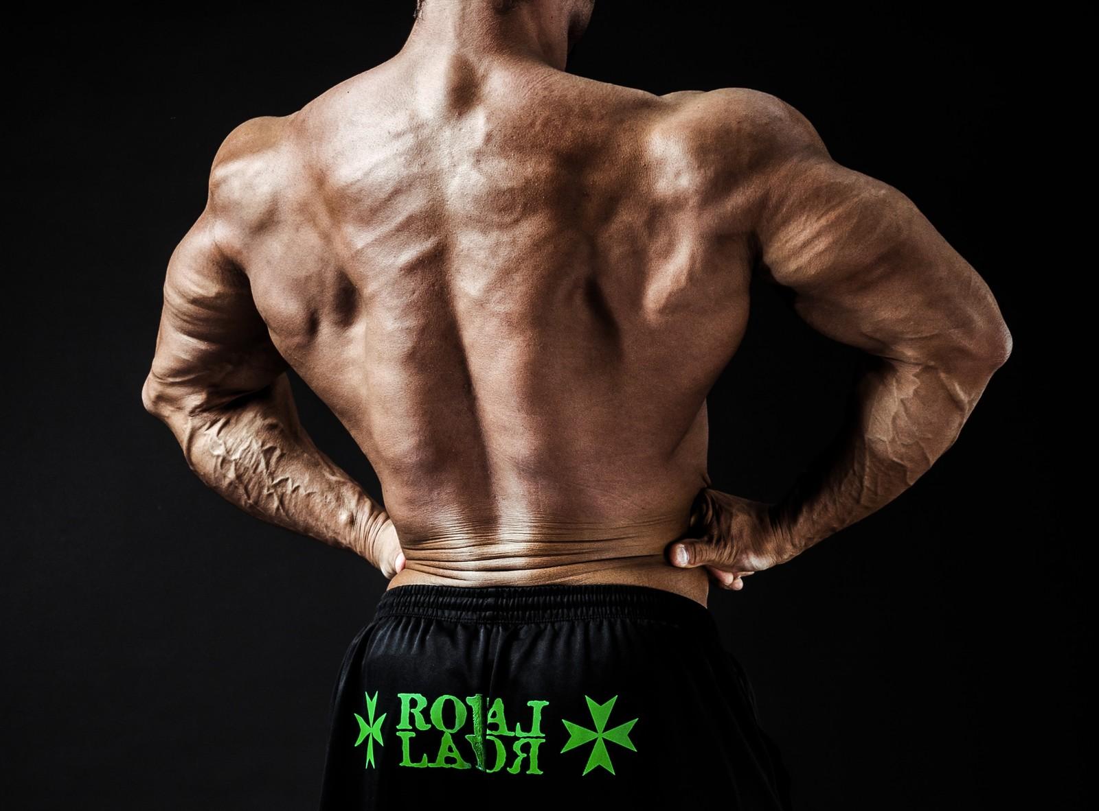 シンプル肩甲骨はがしストレッチ!筋肉をほぐして肩甲骨を動きやすくする方法