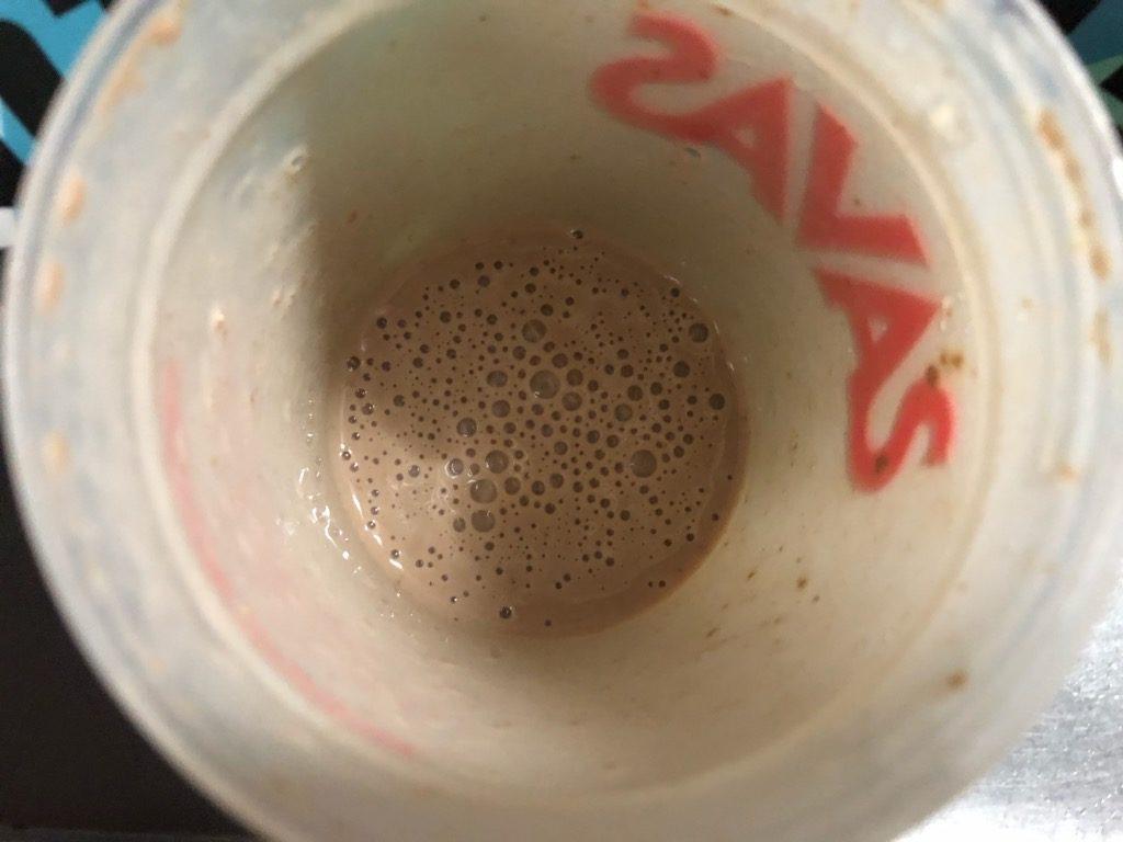 チョコレートを豆乳で溶かした様子