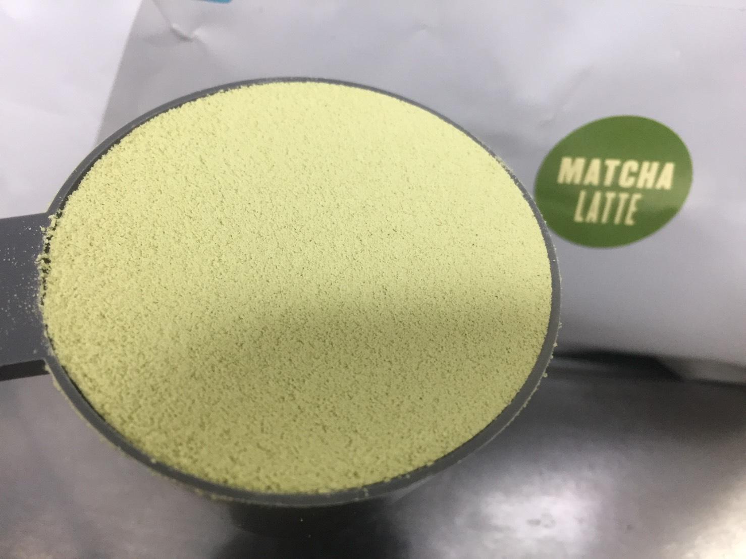 マイプロテインのImpactホエイプロテイン「抹茶ラテ味」をレビュー。抹茶味の草感が消えた!牛乳で溶かすと美味しい。【WPC】