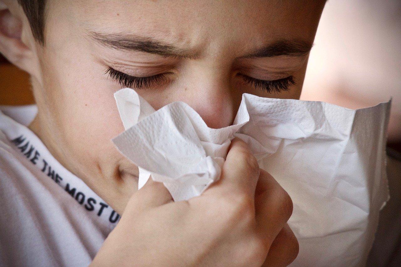 風邪をひいた時に筋トレや運動はしても良い?筋トレ後は風邪をひきやすい?トレーニーの疑問を科学的に解説