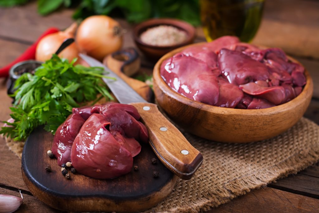 鶏レバー:111kcal (タンパク質 18.9g・脂質 3.1g・炭水化物 0.6g)
