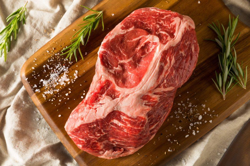 牛肩ロース:240kcal (タンパク質 17.9g・脂質 17.4g)