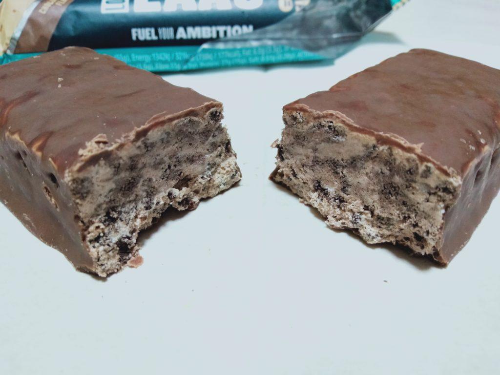 チョコレートファッジ味の断面図