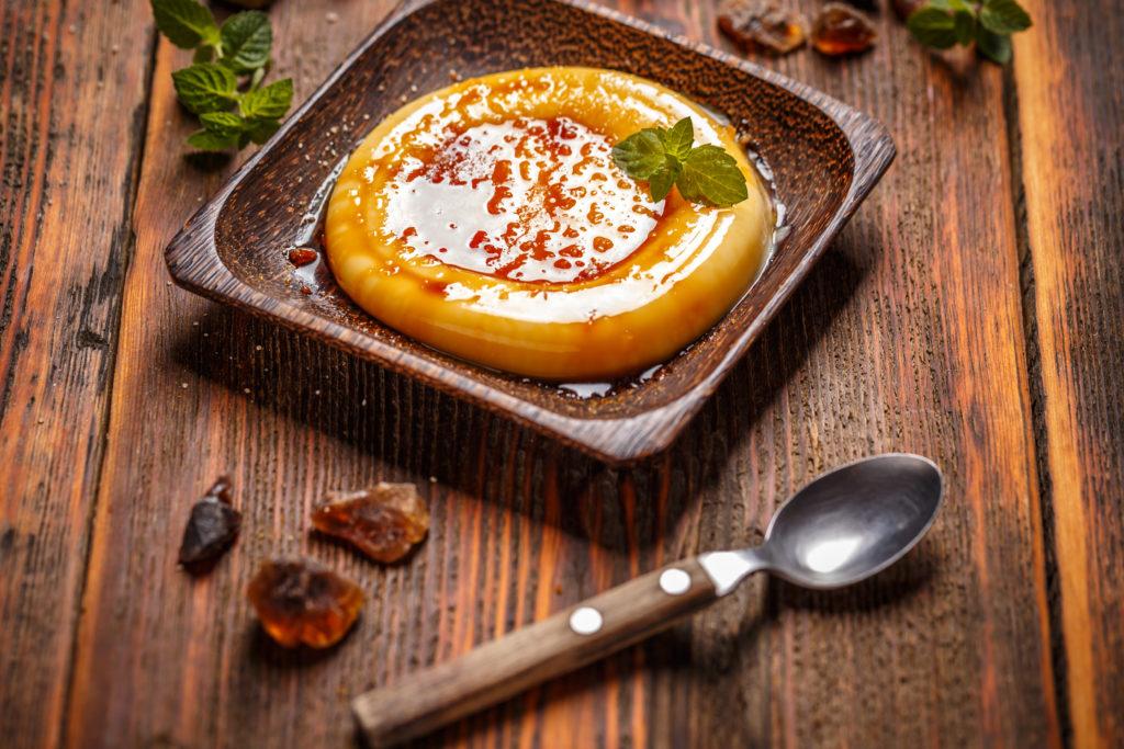 クリームブリュレは「カスタードプリン」に似たデザート
