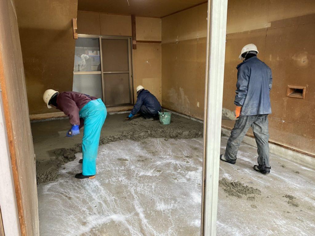 床工事の様子